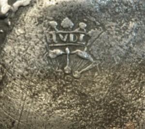 Merkteken tinnen theepotje, antiek met rotan handvat, Nederland