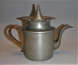 Fraai vormgegeven theepot, tin, antiek, Nederland