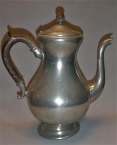 Koffiepot tin, antiek design Tiel, Nederland