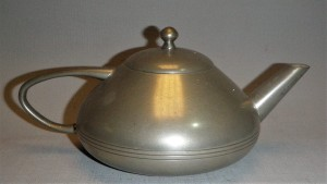 Theepot tin, Nederlands design antiek