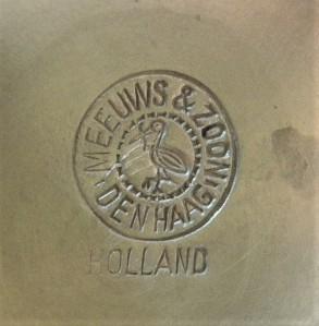 Merkteken koffiekan tin, antiek, Meeuws Zoon, Den Haag, Nederland
